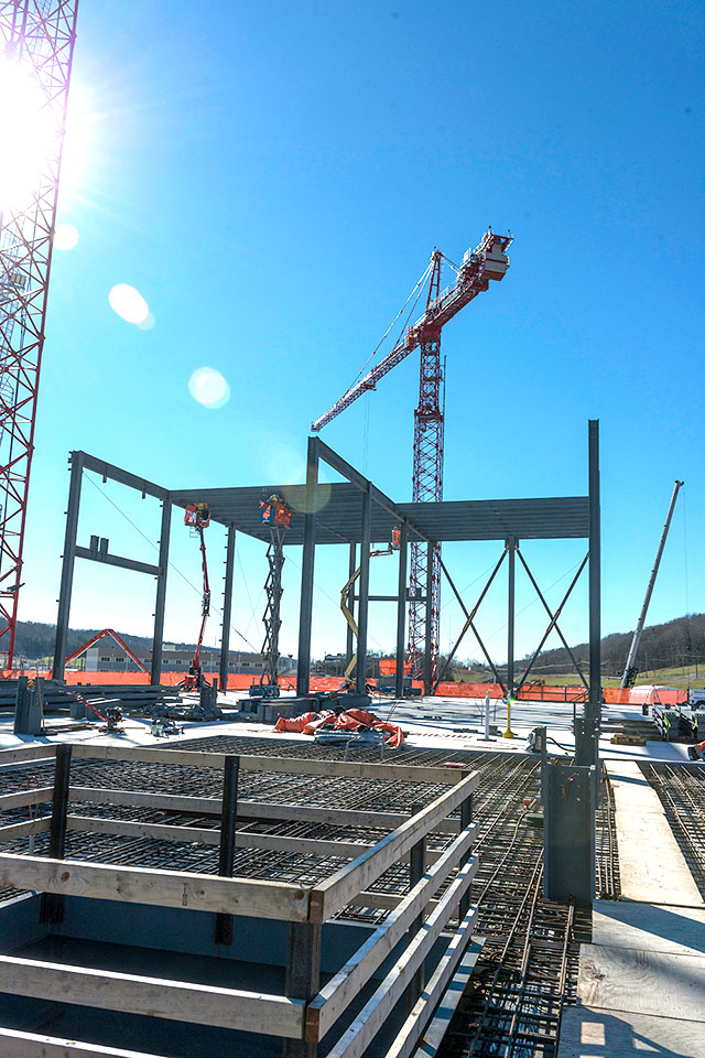 The second level of steel on the Mechanical Electrical Building is being installed from west to east. Steel installation for the second level is scheduled for completion in February.
