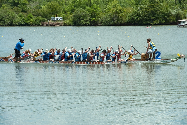 NextGen members participate in the Oak Ridge Dragon Boat Festival.